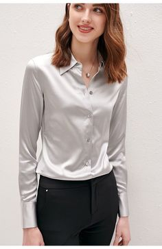 Sexy Blouse, Blouse And Skirt, Blouse Outfit, Oversized Button Down Shirt, Work Chic, Satin Shirt, Satin Blouses, Blouse Styles, Satin Dresses