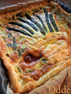 Quiche with asparagus and soft cheese