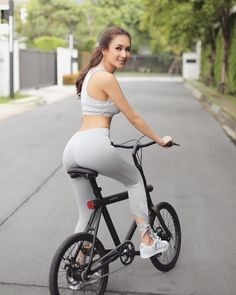 girl, porn, # track bike, # fixed Bicycle Women, Bicycle Girl, Lady Biker, Biker Girl, Girls Mac, Bollywood, Retro Bike, Female Cyclist, Cycling Girls