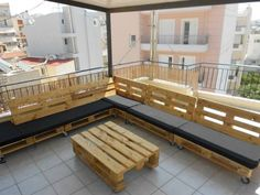 DIY Pallet Sectional Couch