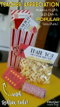 Movie Night Teacher Appreciation Gift with FREE Printables Looking for a fun way to celebrate a teacher? Print your free Movie Night Teacher Appreciation Gift for a POPULAR teacher. Teacher Treats, Teacher Gifts, Parent Gifts, Staff Gifts, Free Starbucks Gift Card, Thanks A Latte, Movie Gift, Teacher Appreciation Week, Volunteer Appreciation