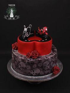 Wedding cake for motorcycle biker couple Biker Wedding Theme, Gothic Wedding Cake, Gothic Cake, Bike Wedding, Motorcycle Wedding, Motorcycle Couple, Dream Wedding, Tall Cakes, Big Cakes