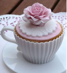 The cupcake company: Vintage chic tea party. Birthday Cakes For Women, Cool Birthday Cakes, 60th Birthday, Birthday Parties, Fun Cupcakes, Cupcake Cakes, Cup Cakes, Elegant Cupcakes, Cupcake Mold