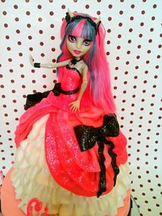 Monster High Rochelle Goyle Doll Cake    My daughter would LOVE this style dress on her cake! And on her!