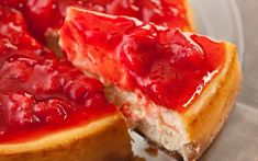 Who doesn't love cheesecake? Next time you have cheesecake try this super easy strawberry sauce. Ingredients: Fresh strawberries, d. Strawberry Sauce, Strawberry Cheesecake, Strawberry Recipes, Cheesecake Recipes, Torta Cheesecake, Italian Cheesecake, Simple Cheesecake, Birthday Cheesecake, Lemon Cheesecake