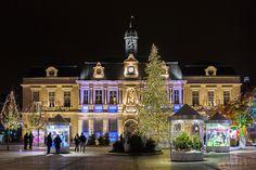 Les photos de Fred: La place de l'hôtel de ville de Troyes avant Noël