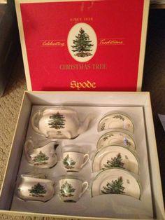 For  my  GRAND DAUGHTER.................  Spode Christmas Tree children's Tea Set