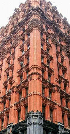 "Jewel of terracotta The Potter Building Built in 1886 On historically nicknamed ""Newspaper row"", Park Row Downtown, NY, taken September 2017 Please tap it for full image."