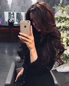 Trendfrisuren Baby trend, akkurater Mittelscheitel oder People from france Minimize Expire Frisurentrends 2020 sind Hair Inspo, Hair Inspiration, Brown Hair Colors, Brunette Hair, Hair Dos, Gorgeous Hair, Cool Hairstyles, Men's Hairstyle, Formal Hairstyles