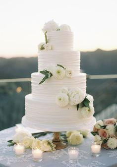 Wedding Cake Inspiration - Photo: Caroline Tran