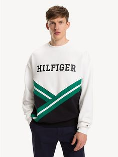 Elevate your look with the latest Tommy Hilfiger men's hoodies & sweatshirts. Mens Sweatshirts, Mens Tees, Camisa Polo, Boys Wear, Hoodie Outfit, Polo T Shirts, Men Sweater, Clothing, Style