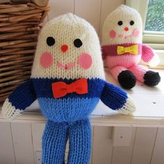 This cuddly humpty dumpty has been hand knitted in France. Makes a gorgeous gift for a baby. Comes in a choice of blue or pink. A lovely addition to the nursery and so soft and cuddly! Hand Knitting, Knitting Patterns, Diy And Crafts, Arts And Crafts, Humpty Dumpty, Knitted Dolls, Stuffed Toys Patterns, Doll Toys, Personalized Gifts