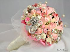 rose buds and buttons bouquet