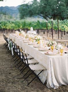 Love the yellow goblets with light pink napkins