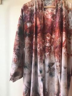 Natural Dye Fabric, Natural Dyeing, Shibori Tie Dye, Tie Dyed, How To Dye Fabric, Fabric Art, Bohemian Crafts, Fairy Clothes, Recycled Fashion
