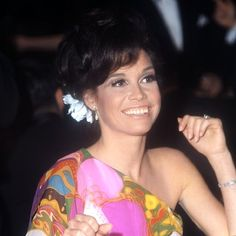 Mary Tyler Moore, actress, died of cardiac arrest Classic Actresses, Actors & Actresses, Photos Timeline, Mary Tyler Moore Show, People Of Interest, Farrah Fawcett, Music Tv, Classic Tv, Famous Women