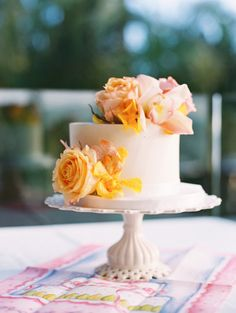 small casual wedding cakes 1000 images about satellite cake and unstacked wedding 20207