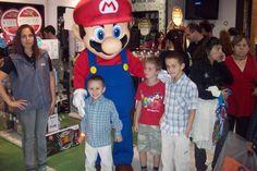 MarioBros el rey de Nintendo en botarga DIVINA