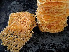 A legegyszerűbb diétás sajtcsipsz! Low Carb Recipes, Snack Recipes, Cooking Recipes, Wow Recipe, Non Plus Ultra, Cheese Crisps, Good Food, Yummy Food, Hungarian Recipes