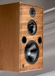 Harbeth design and manufacture high quality loudspeakers for home hi-fi, broadcast, audio post-production, dubbing and radio studio use. Audiophile Speakers, Monitor Speakers, Hifi Audio, Wireless Speakers, High End Hifi, High End Audio, Audio Design, Speaker Design, Best Loudspeakers