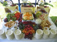 DIY Summer Party: Easy and Cleaver Ideas For Fantastic Summer Party, Make useful food display