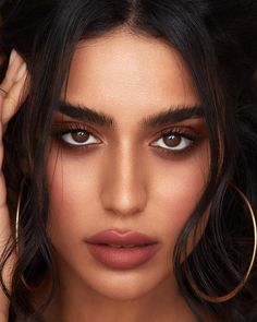 50 Simple Make Up Trend 2019 for Brown Eyes Simple Make Up Trend 2019 For Brown Eyes 29 50 Simple Makeup Trends II really like the Brown Eyes Simple Make Makeup Trends, Makeup Hacks, Makeup Inspo, Makeup Inspiration, Makeup Tips, Eye Makeup, Makeup Ideas, Tan Skin Makeup, Makeup Brushes