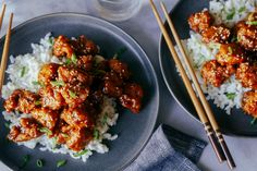 Get Sesame Ginger Chicken Recipe from Food Network Sesame Ginger Chicken Recipe, Chinese Chicken Recipes, Easy Chinese Recipes, Asian Recipes, Ethnic Recipes, Asian Foods, Food Network Recipes, Cooking Recipes, Cooking Tips