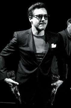 Robert Downey Jr double fisting People's Choice Awards 1/7/15