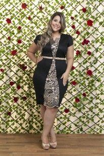 Vestido Plus Size Detalhes em Renda Dourada