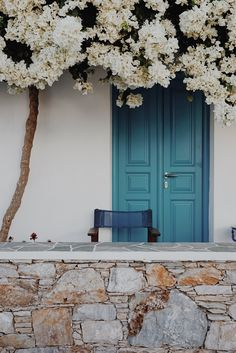 OLD WORLD CHARM 45 MINUTES FROM SANTORINI | Folegandros Greece travel | Greece Travel Guide | Things to do in Greece | Greece Islands travel guide | Please, Do Tell