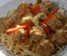 Almás pite tejfölösen Recept képpel - Mindmegette.hu - Receptek Bologna, Mozzarella, Spaghetti, Food And Drink, Beef, Ethnic Recipes, Meat, Noodle, Steak