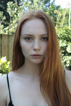 Discover tons of gorgeous redhead on Bonjour-la-Rousse Red Heads Women, I Love Redheads, Gorgeous Redhead, Beautiful Freckles, Hair Reference, Redhead Girl, Stunning Eyes, Ginger Hair, Simply Beautiful