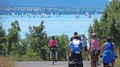 A balatoni bicikliút - bringakörút - bemutatása alternatív útvonaljavaslatokkal, leírással, fotókkal, térképekkel, szinttérképekkel, tanácsokkal, tapasztalatokkal. Azért, hogy változatosabb, kellemesebb, élményekben gazdagabb legyen a kirándulás. Bicycle, Bike, Bicycle Kick, Bicycles