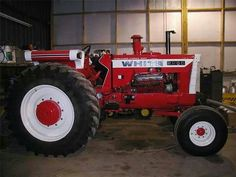 Antique Tractors, Vintage Tractors, White Tractor, Tractor Implements, Tractor Pulling, Classic Tractor, Ih, Country Life, Farmers