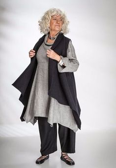 Paris Waistcoat black felted wool over Roll Neck Tunic Kernen linen (Steel Smoke). Mature Fashion, Modest Fashion, Hijab Fashion, Plus Size Fashion, Boho Fashion, Fashion Outfits, Womens Fashion, Layered Fashion, Advanced Style