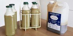 Recette pour fabriquer une lessive au savon noir facilement Diy Savon, Marie Claire, Hot Sauce Bottles, Water Bottle, Cleaning, Tips, Natural, Creative, Green Soap