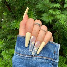 Acrylic Nails Coffin Short, Best Acrylic Nails, Acrylic Nail Designs, Coffin Nails Designs Summer, Acrylic Spring Nails, Cute Spring Nails, Summer Nails, Pastel Nails, Yellow Nails