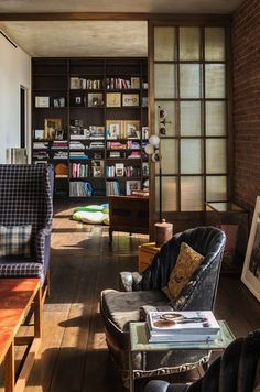 A Look Inside Kirsten Dunst's Charming Soho Penthouse - The Library