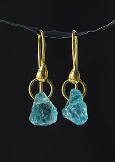 tulagems. jewelry image of Natural Blue Apatites on 18K gold hoops and wires.