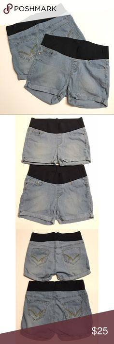 Maternity Denim Shorts Bundle 2 pair of maternity shorts, size Medium. Both are very similar styles and are made by oh! mamma. Great pre-owned condition, no flaws! Oh! Mamma Shorts Jean Shorts