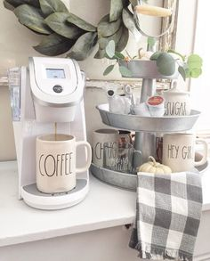 Coffee Bar Ideas - Looking for some coffee bar ideas? Here you'll find home coffee bar, DIY coffee bar, and kitchen coffee station. Coffee Area, Coffee Nook, Coffee Corner, Coffe Bar, Coffee Truck, Coffee Shops, Coffee Drinks, Coffee Mugs, Home Staging