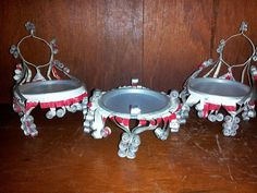 Great vintage upcycling of beer cans!  from the 1970's - someone drinking budweiser with time on his or her hands!