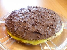 Daimkake | Det søte liv Norwegian Cuisine, Norwegian Food, Yummy Treats, Sweet Treats, Cake Recipes, Dessert Recipes, Pudding Desserts, Baking Cupcakes, Foods With Gluten