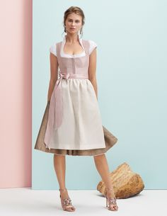 A Dirndl by Kinga Mathe from the spring-summer collection 2018 Source by chinyforster Dress Outfits, Casual Dresses, Fashion Outfits, Summer Dresses, Dirndl Dress, Dress Skirt, 10 Item Wardrobe, Vintage Outfits, Vintage Fashion