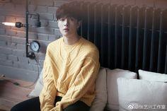 exo, lay, and kpop image Kpop Exo, Exo Chanyeol, Kyungsoo, Lay Exo, Yixing Exo, Exo Updates, Dylan Songs, Korean Entertainment, Exo Members