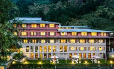 Honeymoon Inn, Manali with simply spectacular views of the soaring himalayas and expansive gardens is really is a world apart.
