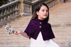 Ravelry Kveta Capelet Knitting pattern by Monika Sirna Capelet Knitting Pattern, Afghan Crochet Patterns, Crochet Patterns For Beginners, Knitting Patterns, Crochet Ideas, Tunisian Crochet, Knit Crochet, Knitted Cape, Waldorf Dolls