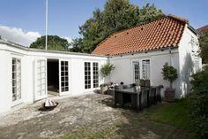 A Rustic Home With An Elegant Design - Page 8 of 11 - Chaka Decor Skandinavisch Modern, Modern Rustic Homes, Outdoor Spaces, Outdoor Living, Outdoor Decor, Exterior Remodel, Inside Design, Facade Design, Scandinavian Modern
