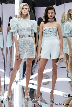 See all the Collection photos from Zuhair Murad Spring/Summer 2017 Ready-To-Wear now on British Vogue Fashion Week Paris, Fashion 2017, Runway Fashion, High Fashion, Fashion Show, Fashion Dresses, Fashion Design, Haute Couture Style, Couture Mode