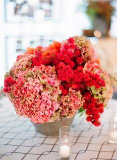 red arrangement by Atelier Joya, image by Lisa Lefkowitz